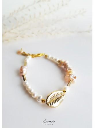 """Apyrankė su upiniais perlais ,,Gold shell"""""""