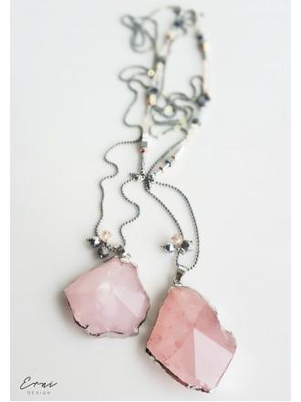 Kaklo papuošalas su rožiniu kvarco akmeniu