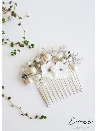 """Plaukų sagė ,,White flowers"""""""
