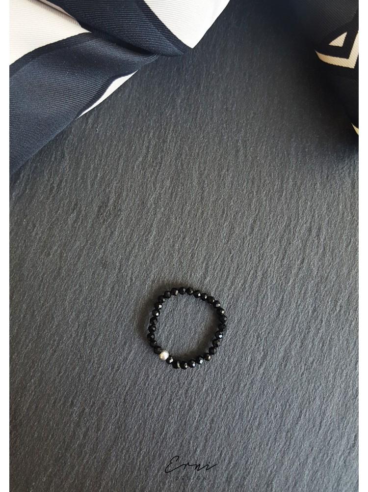 """Žiedas su špinelio akmenukais ,,Black"""""""