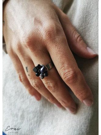 """Žiedas su akmenukais ,,Black"""""""