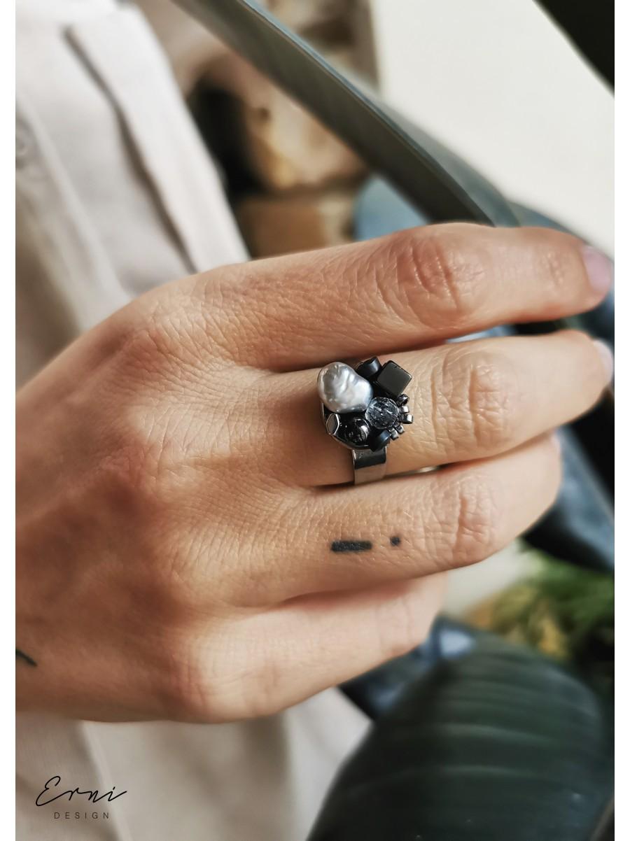 """Žiedas su akmenukais ,,Dark grey"""""""